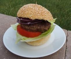 Domácí šťavnatý hamburger